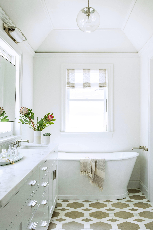 A Century Old House In San Francisco Gets A Modern Makeover Bathrooms Remodel Diy Bathroom Decor Bathroom Remodel Tile