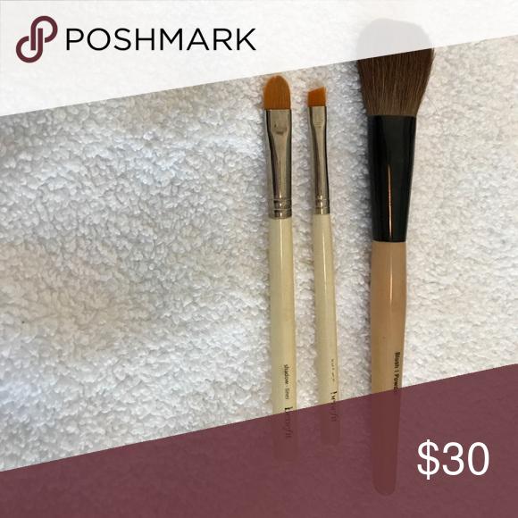 Benefit Cosmetics Set Benefit Cosmetics Set: Blush Brush, Angled Brush, Shadow Liner Brush. Benefit Makeup Brushes & Tools