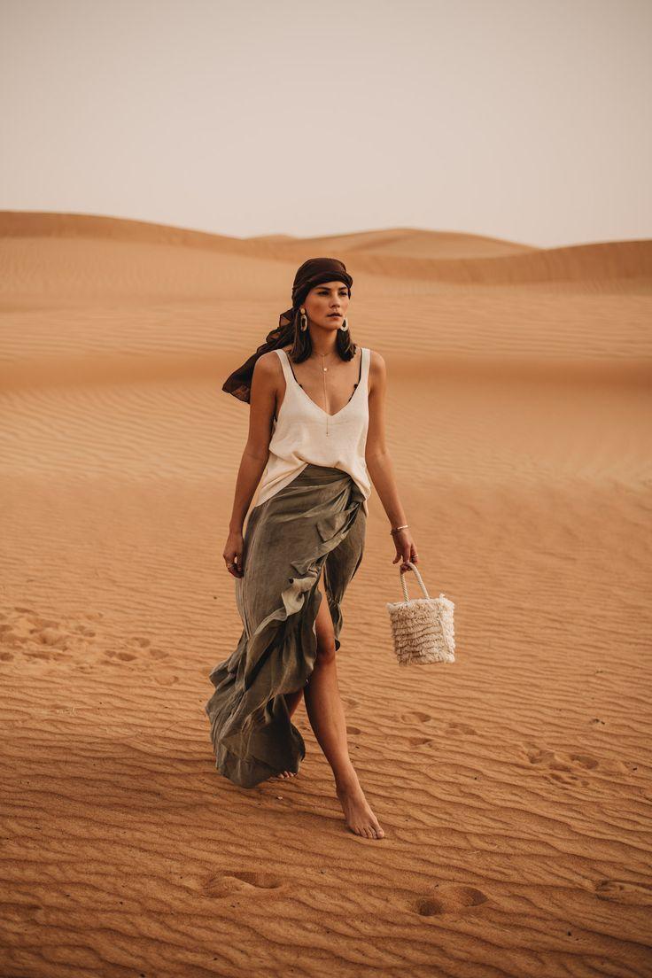 Outfit: Top mit Vokuhila Rock, Fransen Beuteltasche und Turban | Dubai Wüste