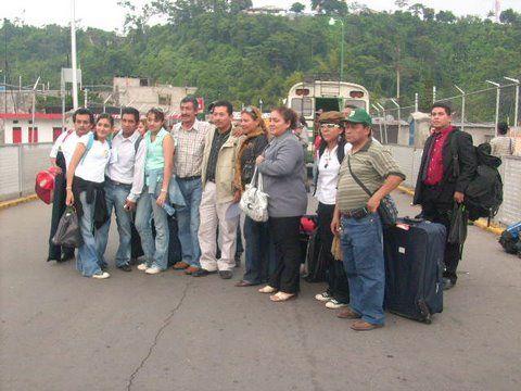 RUMBO POLITICO: LA PORTADA  UNA IMAGEN EN LA FRONTERA MÉXICO-GUATE...