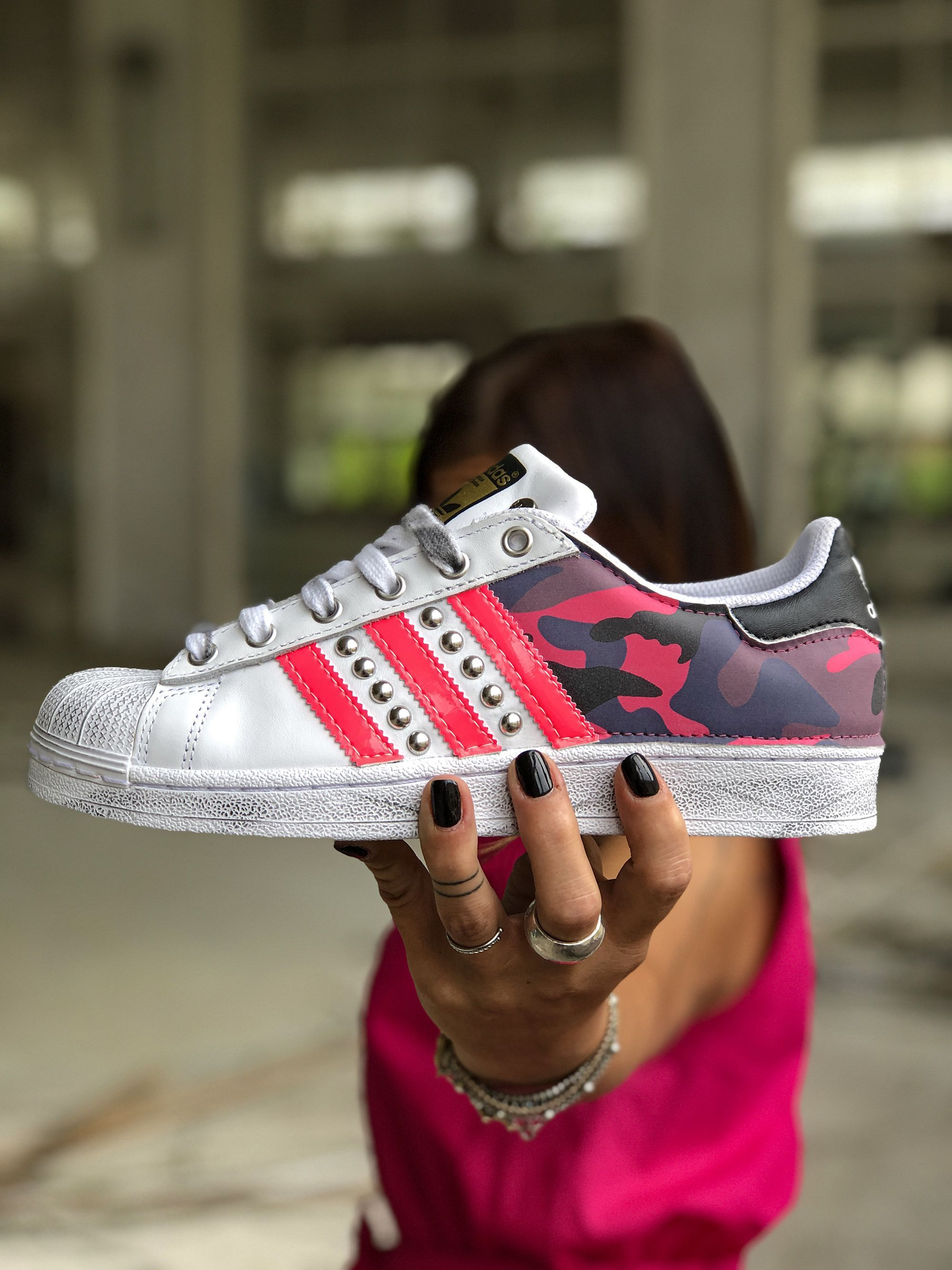 mineral suficiente ventajoso  Adidas Shoes 80% OFF!>> Adidas Superstar customized by Muffinshop #Adidas  #Adidasshoes #shoes #style … | Custom adidas superstar, Adidas shoes  outlet, Custom adidas