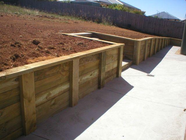 Treated Pine Veggie Gardens Wooden Retaining Wall Wood Retaining Wall Building A Retaining Wall