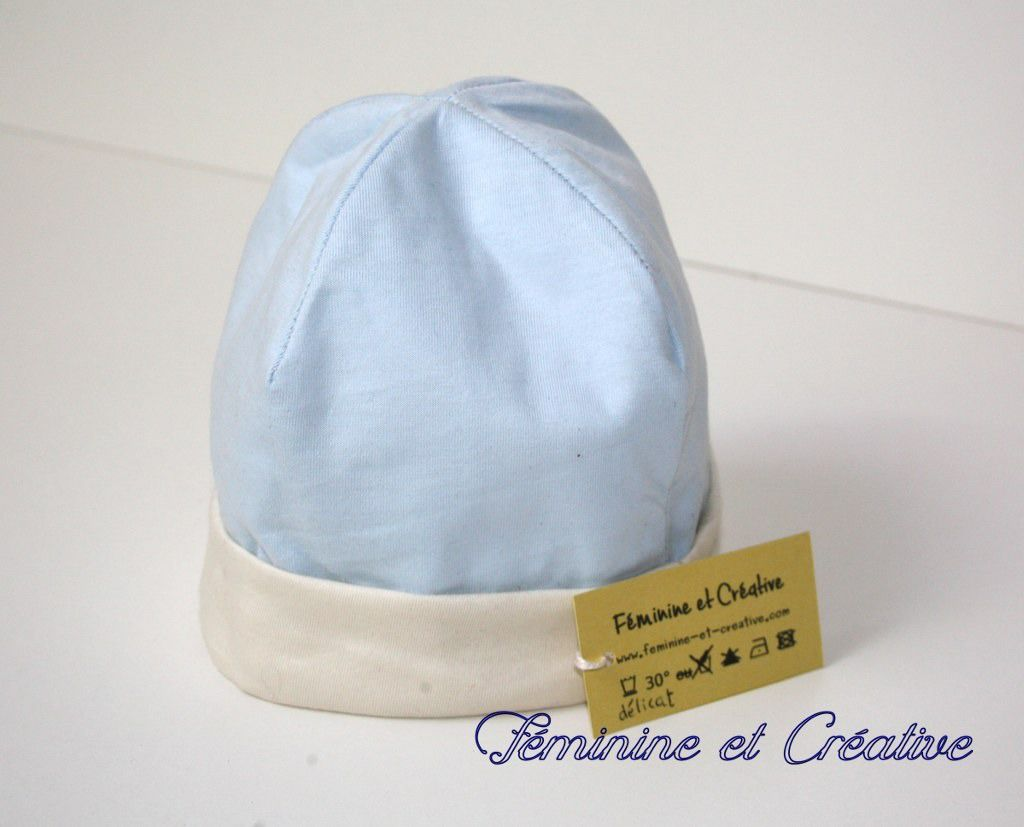 Bonnet bébé anti ondes hautes fréquences 3-6 mois en coton bio bleu et écru    Mode Bébé par feminine-et-creative ebc544b9a68
