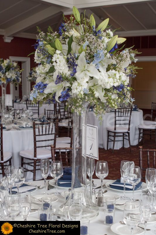 Connors whitby castle rye ny wedding flowers table
