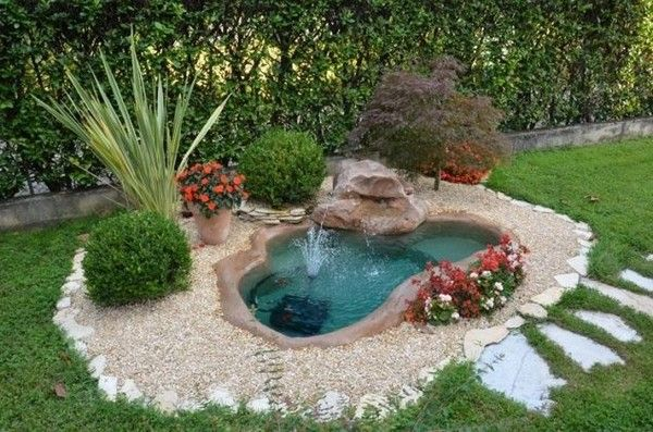 15 Absolutely-Stunning Backyard Water Pond That Will Catch Your Eye
