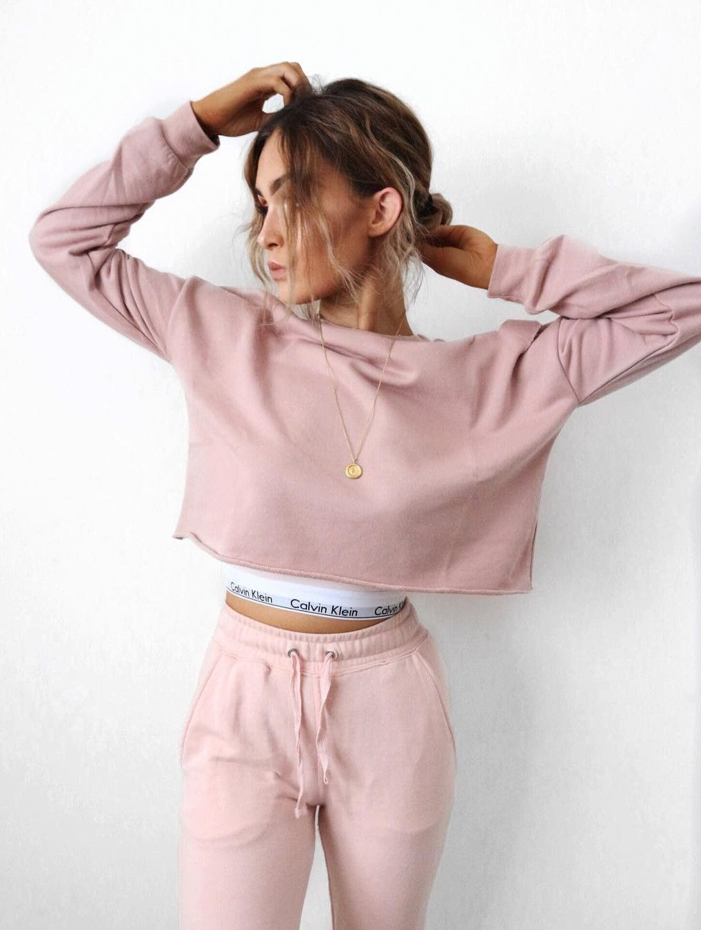 Enjoy a great variety in women Tracksuit | Kleidung, Outfit