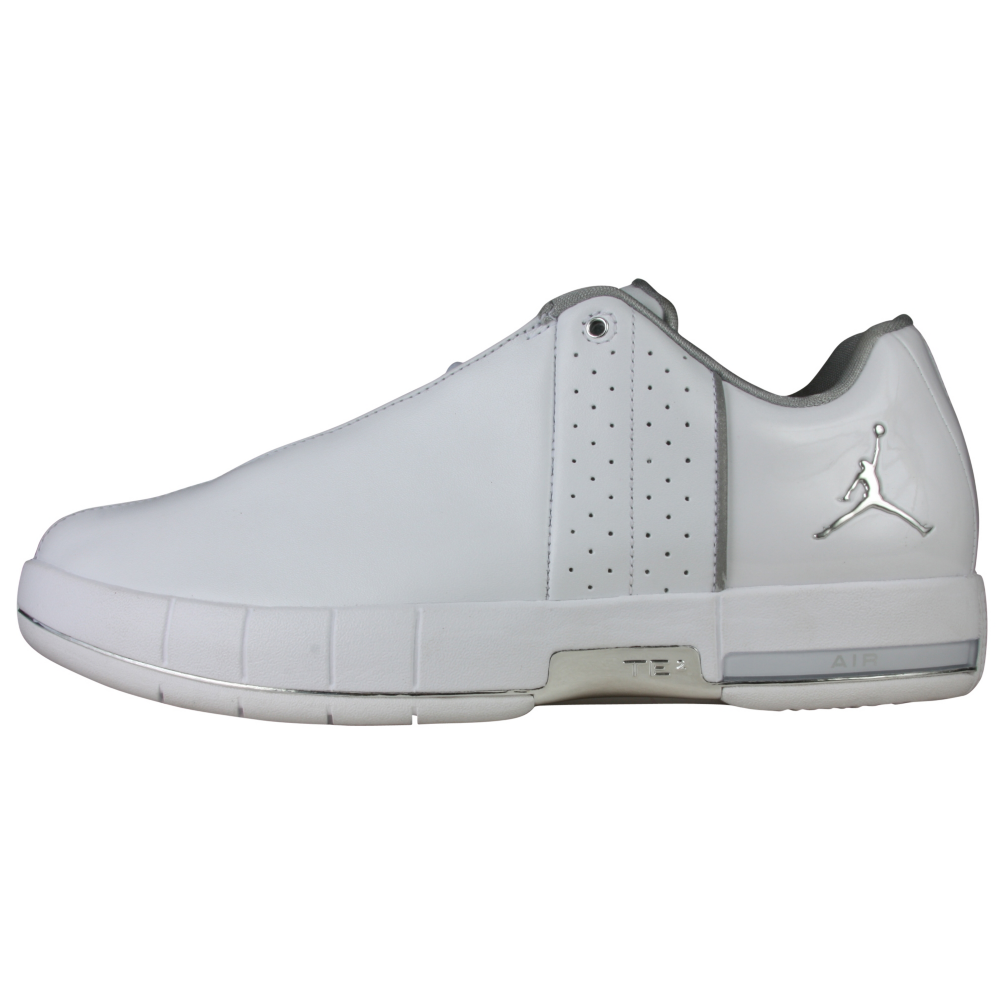 084b4e06dd72d3 ... Low White Metallic Silver Nike Air Jordan Team Elite II-  WhiteWhiteSilver . ...