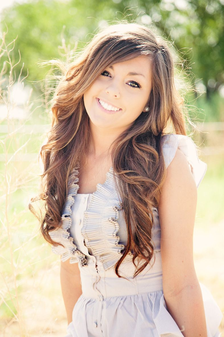 her hair♡ senior pic. makeup   hairstyles   girl senior