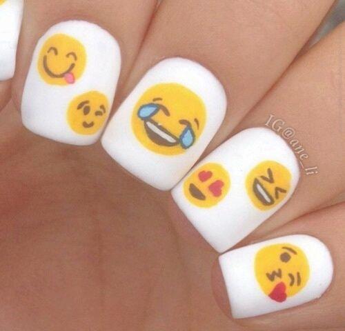 Imagen De Nails Emoji And Emojis Emoji Nails Best Nail Art Designs Minimalist Nails