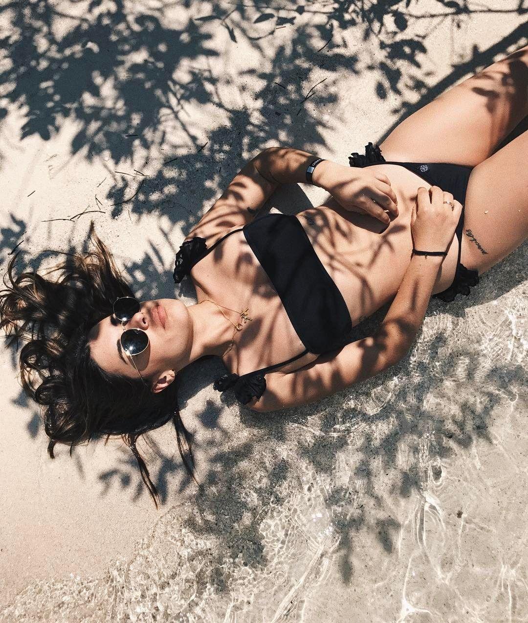 "139.9 mil Me gusta, 284 comentarios - Aida Domenech (@dulceida) en Instagram: ""Sun shadows 🔥 - @viajaway #trendingtropic #viajaway"""