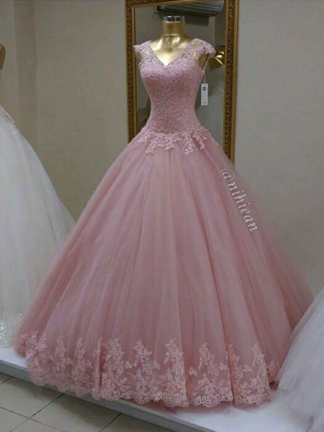 Pin von liesa boro auf dress | Pinterest | Verlobungskleider ...