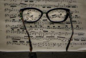 Sennik On Line Najlepszy Zbior Snow W Internecie Net Sennik Pl Glass Round Glass Glasses