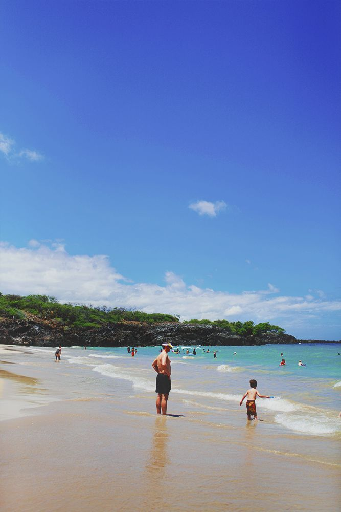 Kona, Hapuna Beach State Park. its warm, crystal blue waters, white sand, and occasional sightings of spinner dolphins and resident honu (turtles). Photo by fei2ng@gmail.com (feel free to ask questions & comment)