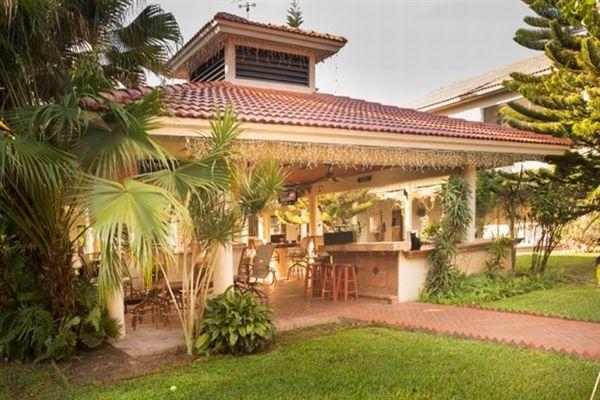 STUNNING EQUESTRIAN ESTATE | Florida Luxury Homes | Mansions For Sale | Luxury Portfolio