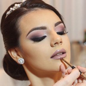 Peinado y maquillaje para boda de noche