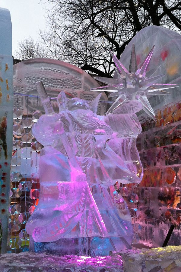 father winter ice carving