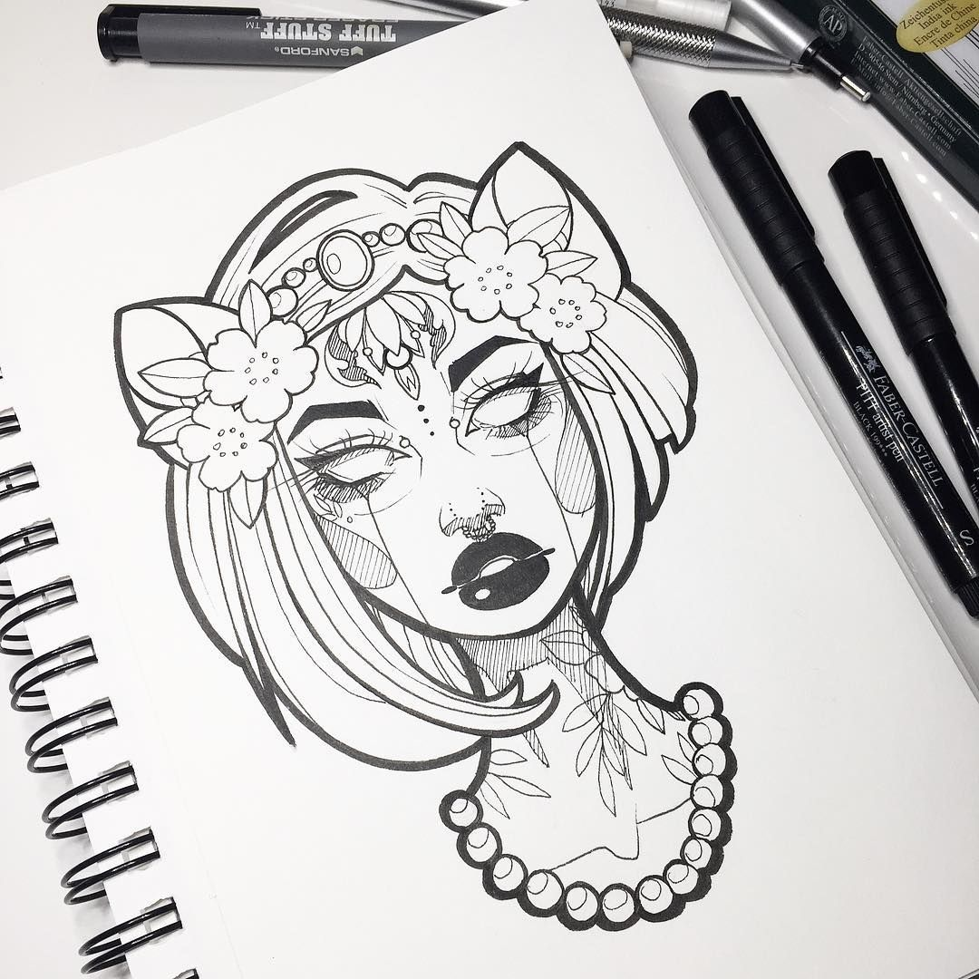 Line Art Instagram : Like the cropping of neck with a necklace and short hair