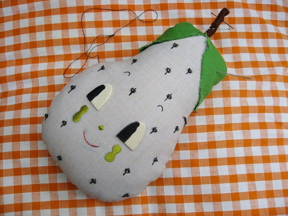 Misako Mimoko: Apple and Pear Hook / Making