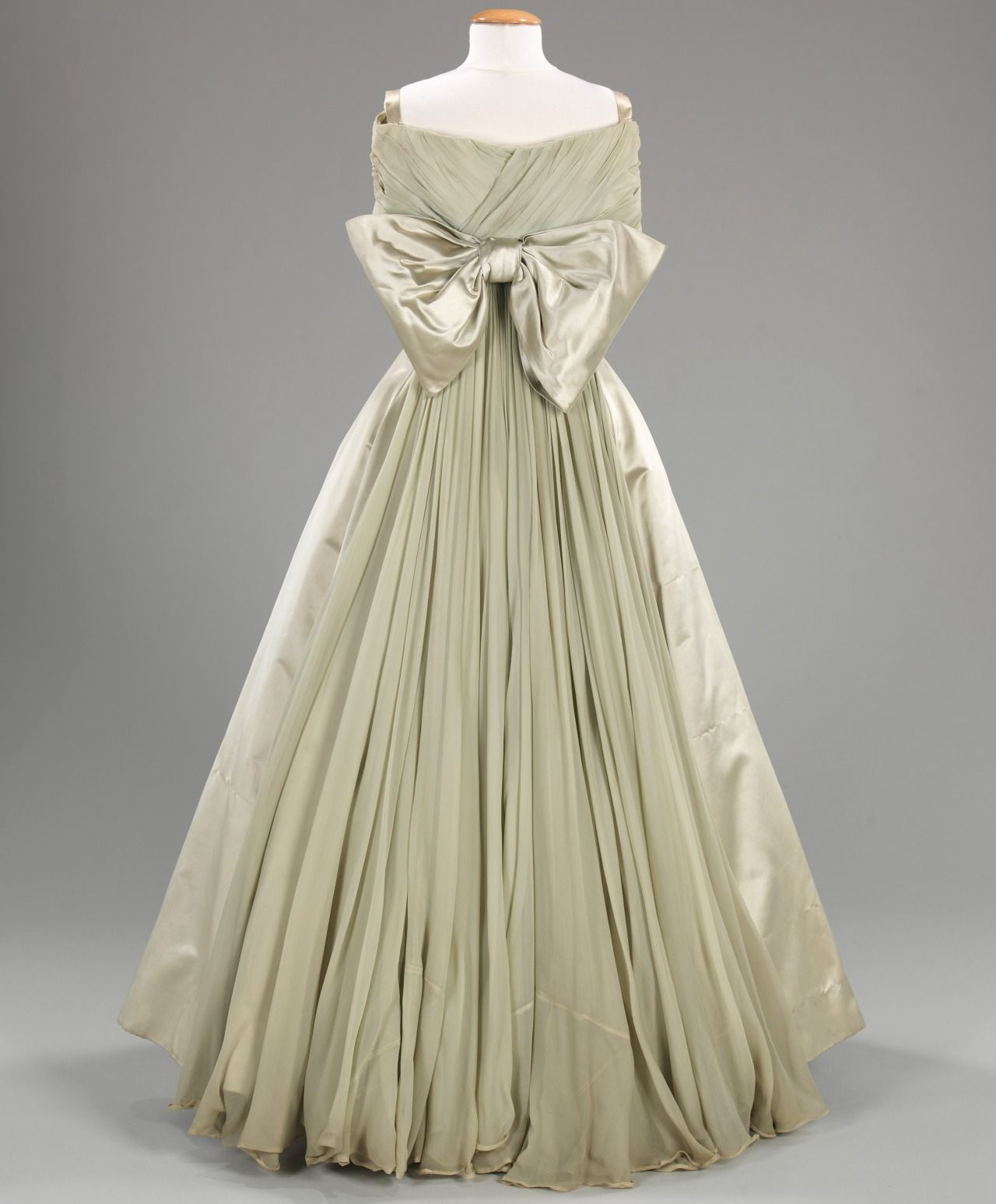 Ball gown fashions of the past pinterest ball gowns