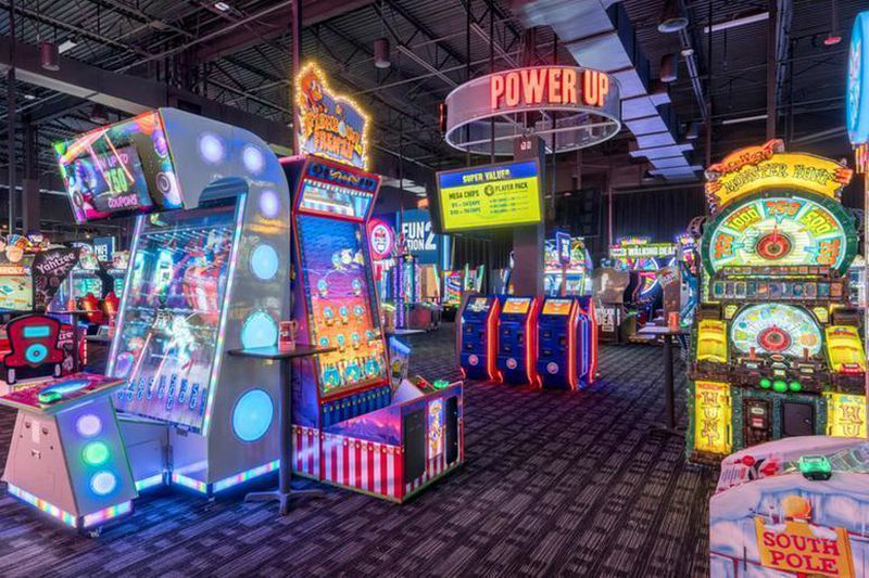 Dave Buster S Coming To Lehigh Valley Mall Whitehall Officials Confirm The Morning Call Dave Busters Arcade Room Video Game Rooms