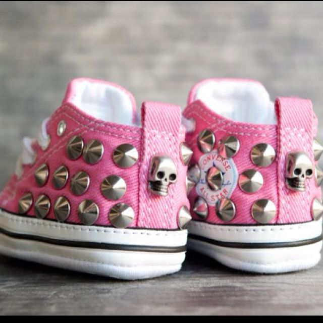 780b27c53361 All Star Converse Full Infant customised with studs and skull