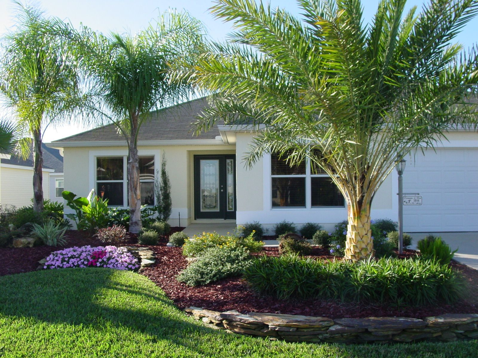 Florida Homes Landscape 50 Best Florida Luxury Houses Page 51 Of 100 Small Front Yard Landscaping Florida Landscaping Farmhouse Landscaping