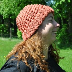 Bonnet en pur coton orange abricot tricoté main