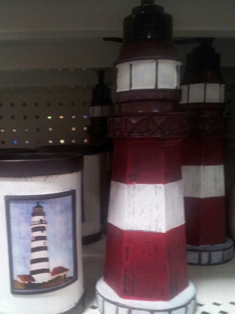 I want a lighthouse bathroom one day.