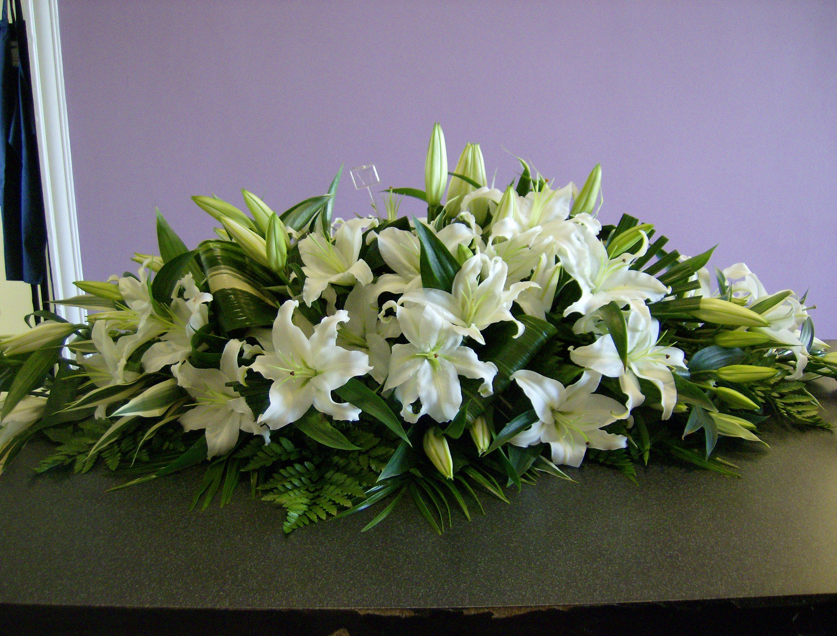 оригинальные лилии в цветочной композиции фото прилетели, такая очередь