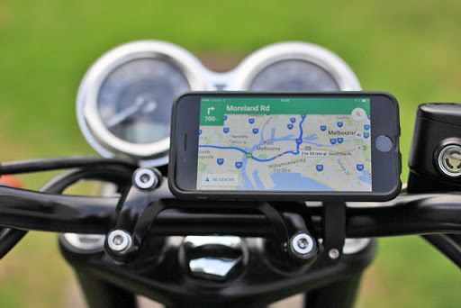 Gear Review Quadlock Smartphone Bike Kit Bike Kit Cafe Racer