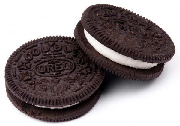 The Way The Social Cookie Crumbles: The Genius Of Oreo's #SocialMedia Marketing: http://rgn.bz/fTag  #Oreo