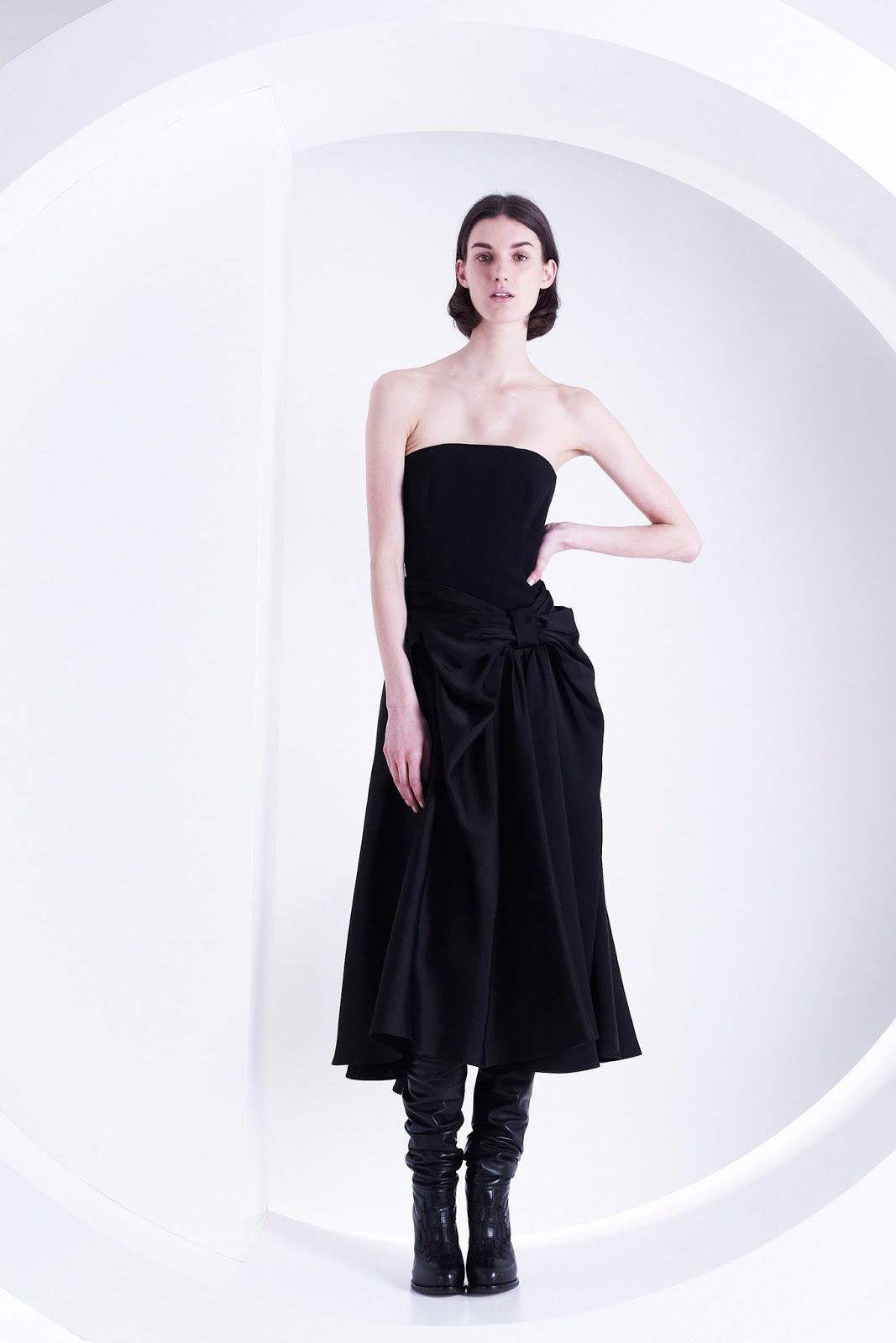 marte mei van haaster for viktor & rolf pre-fall 2013 | visual optimism; fashion editorials, shows, campaigns & more!