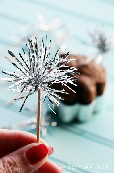 DIY Tinsel Sparklers Toppers Tutorial by the36thavenue.com #NewYears