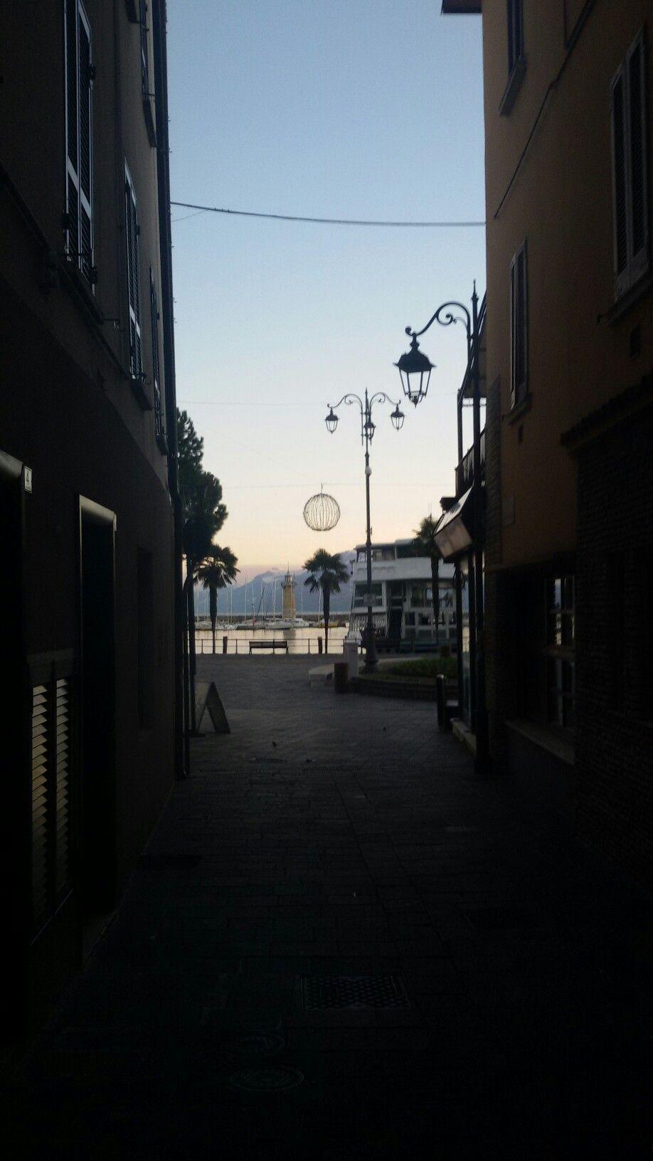 Pin di gardaflat ferienwohung holiday su Desenzano (con