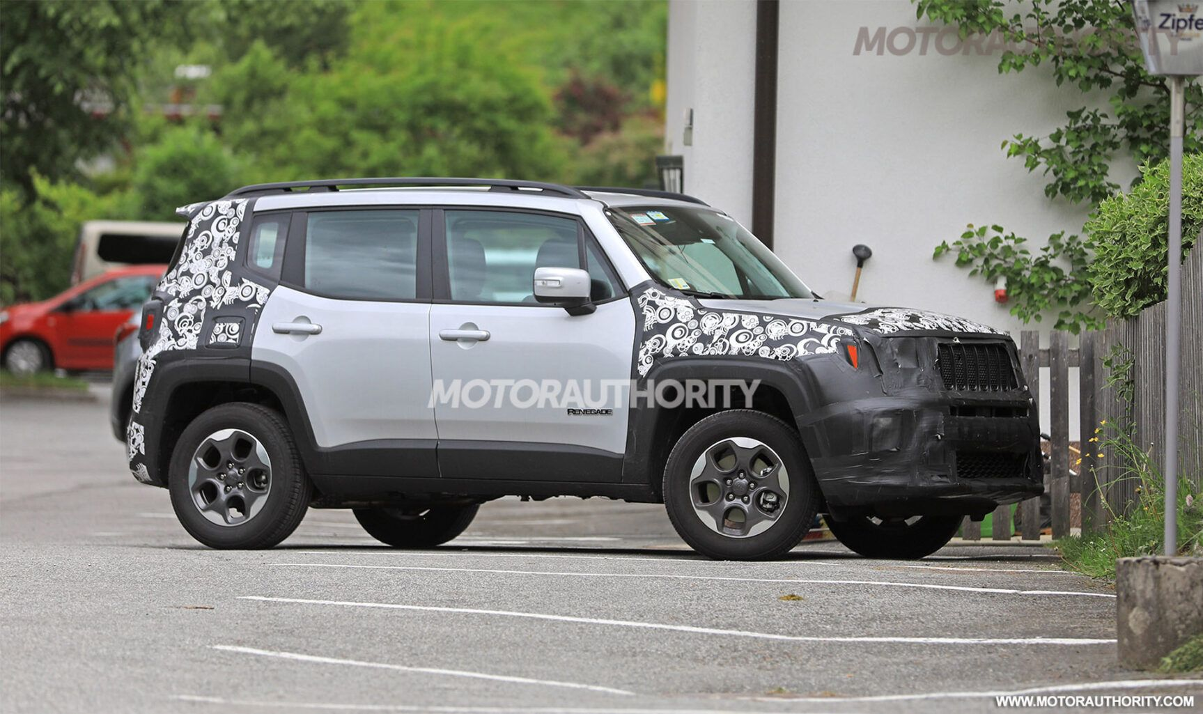 Regardless Of The Initial Variation Of This Small Suv Came Five Years Earlier It Appears Like The Company Plans To Leng Jeep Renegade Jeep Jeep Renegade Price