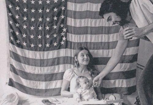 Leonardo DiCaprio Parents | Leonardo DiCaprio as a baby with his parents | Actors