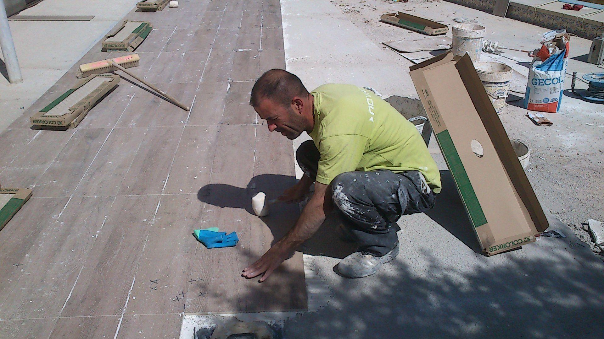 Gres porcel nico todo lo que hay que saber antes de comprarlo suelo exterior chalet gres - Limpieza suelo porcelanico ...