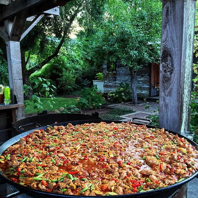 Photos and videos taken at 'The Boonville Hotel & Table 128' on Instagram  Paella off the open flame!  A summer tradition here.   #boonville #boonvillehotel #table128 #paella