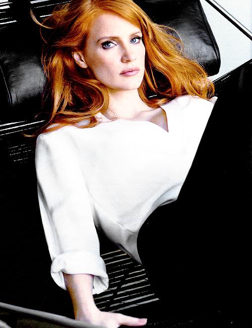 Liz (Jessica Chastain) Elizabeth Darnell. A hot redhead ...
