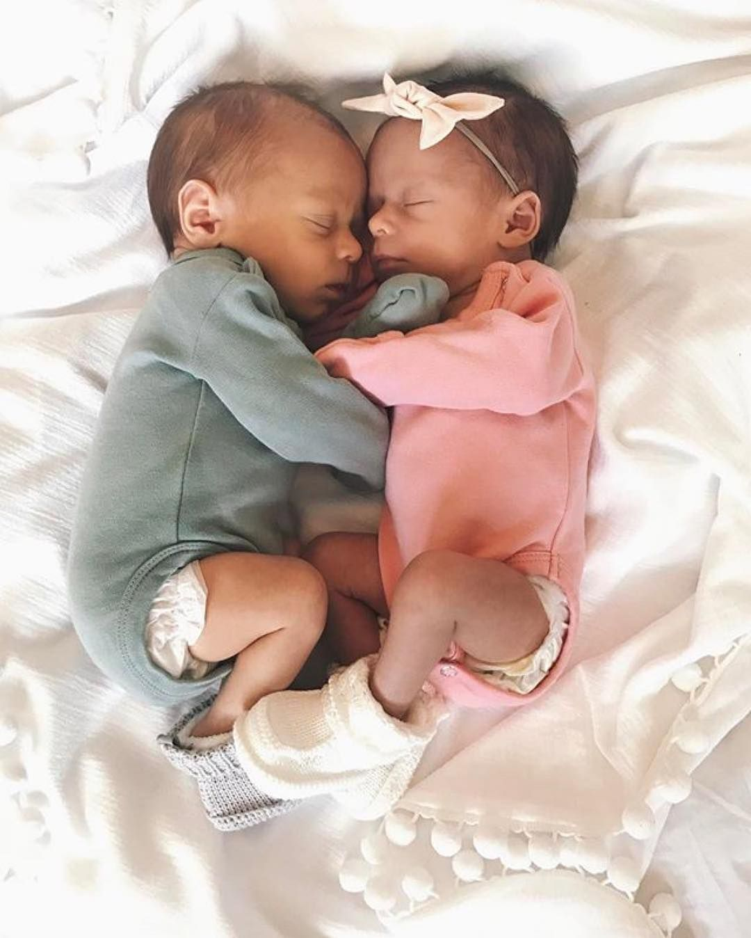978 Likes 10 Comments Barneklaer Inspiration Og Tips Mini Stil On Instagram Credit Nadyacox Cute Baby Twins Twin Baby Boys Twin Baby Photos