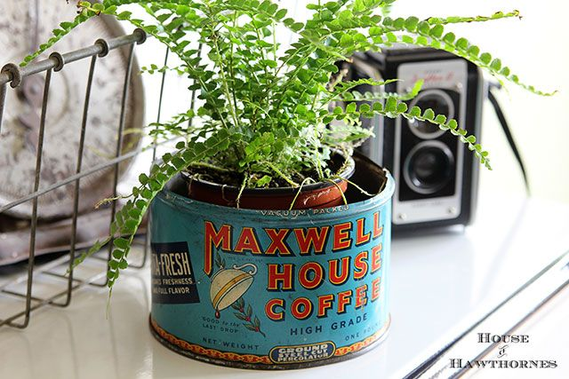 Vintage Maxwell House Coffee tin