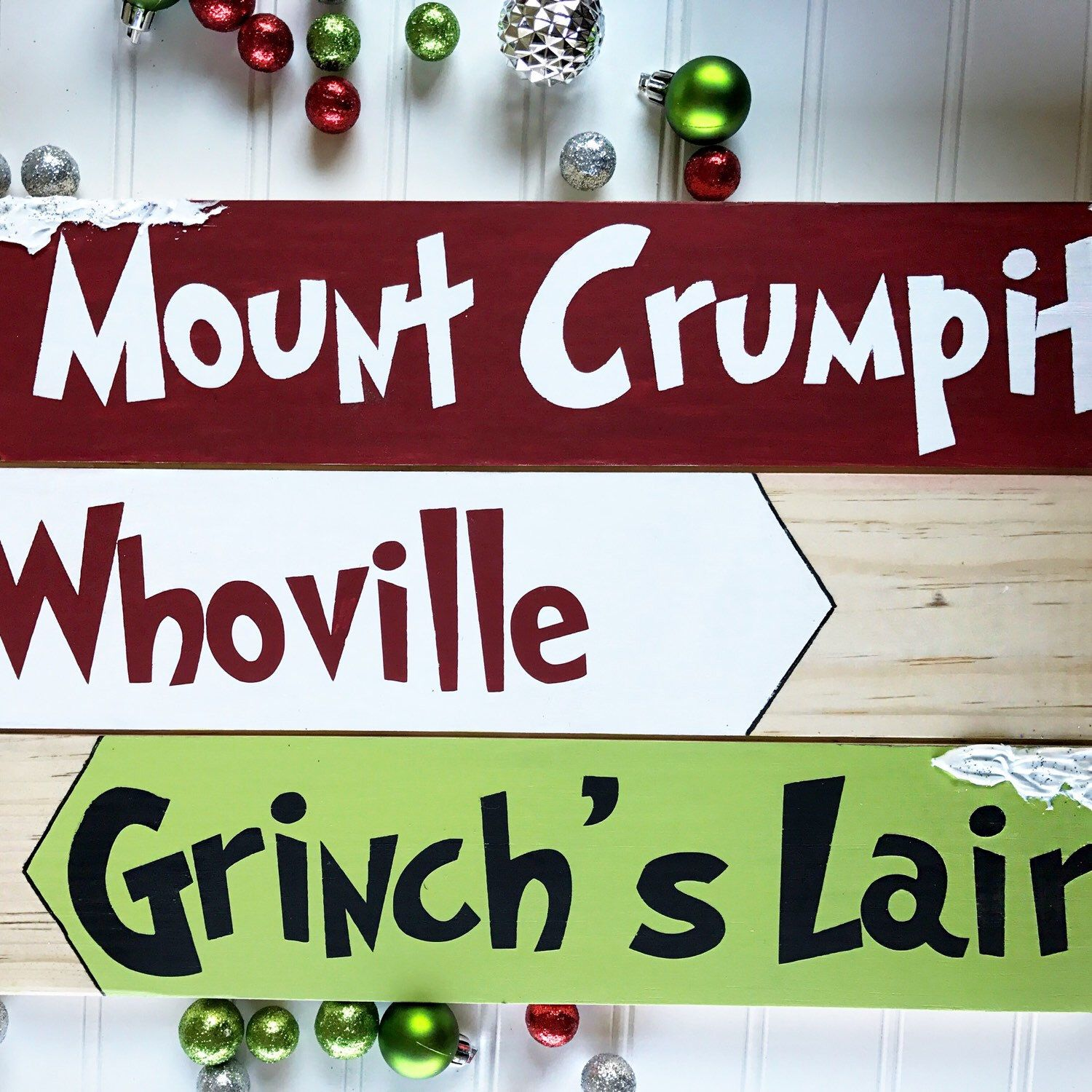 Grinch Christmas decoration Whoville Grinch s Lair and Mount