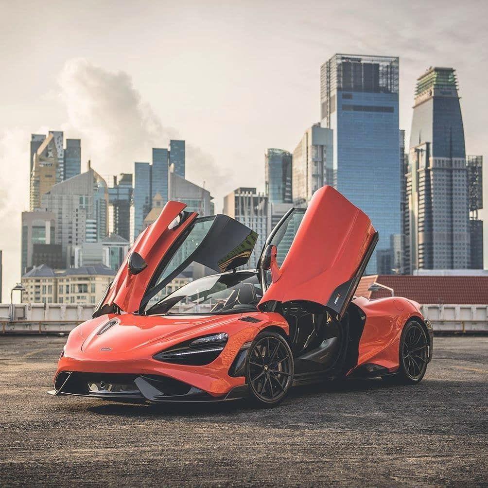 Mclaren 765lt On Instagram Skyline 765lt Read A Magazine Super Cars Super Luxury Cars Amazing Cars