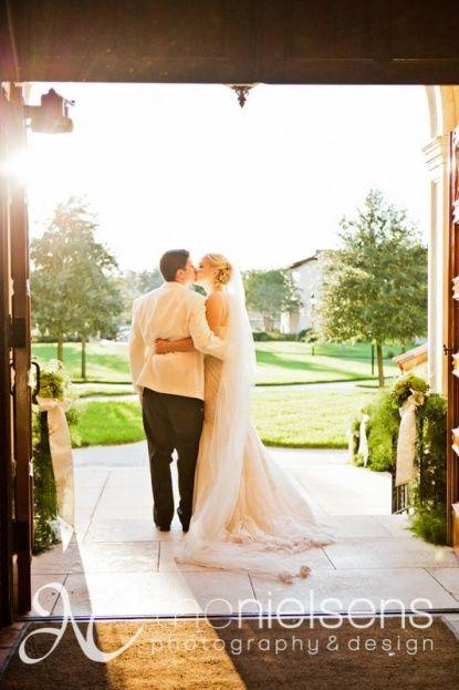 The Alfond Inn Glam Gold And Magenta Wedding A Chair Affair Inc Magenta Wedding Wedding Wedding Film