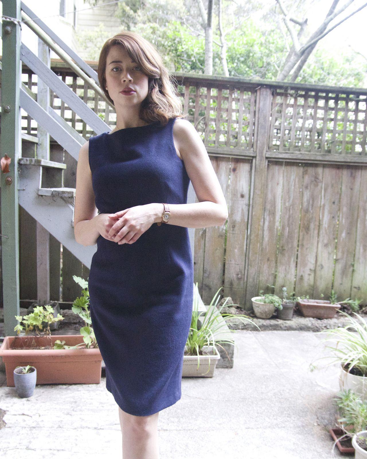 Thrift Eye, dress for work, navy blue dress, jigsaw london dress, camel hair dress, style blogger