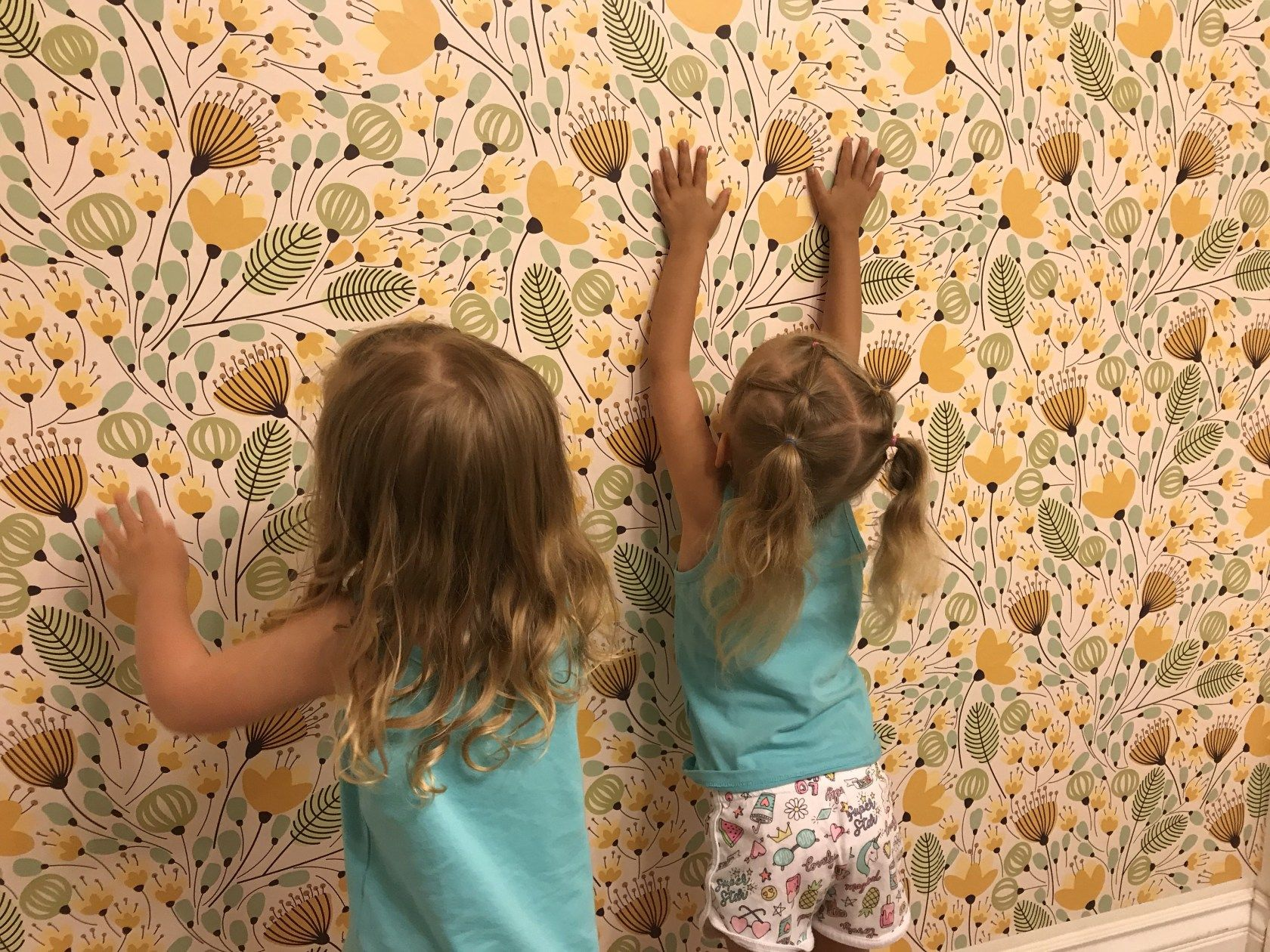 How To Apply Removable Self Adhesive Wall Paper Wallpaper Tutorial Paper Wallpaper Wallpaper Twin Baby Girls