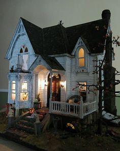 Halloween #haunteddollhouse