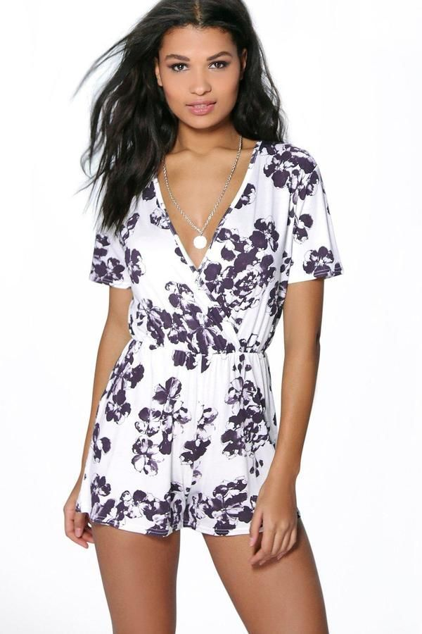 Boohoo Ditzy Floral Wrap Front Playsuit Sale Fake Find Great Sale Online Outlet 2018 okWnQ4M0