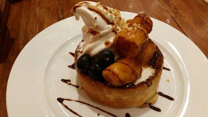 Caramelized Banana Pancake Miam Miam French Cafe Food Eat Breakfast