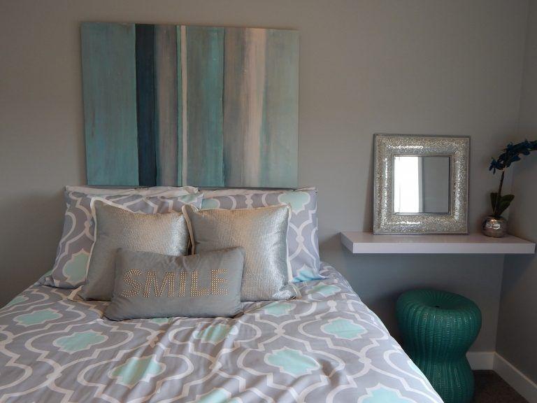 Imbiancare cameretta ~ Arredamento moderno per una casa piccola camera da letto testiera